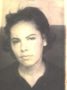 Piky Lora, presa en La Victoria. Siempre vistió de negro mientras estuvo presa.