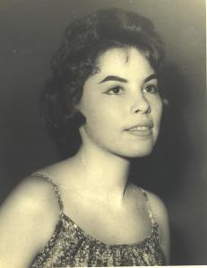 Piky Lora en sus años de estudiante universitaria